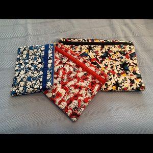 Makeup/accessories pouch set